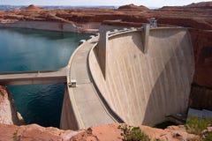 pouvoir hydraulique électrique de barrage Images stock