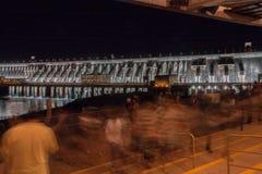 pouvoir hydro-électrique de centrale d'itaipu image libre de droits