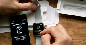 POV και πρώτη προβολή της σειράς 3 ρολογιών της Apple Στοκ Εικόνα