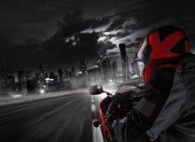 POV του έξοχου οδηγού αθλητικών μοτοσικλετών στοκ εικόνες με δικαίωμα ελεύθερης χρήσης