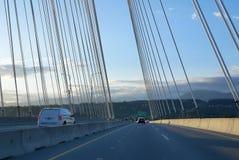 Pov-Ansicht des Reitens über der Brücke in Surrey BC Kanada Stockfotografie