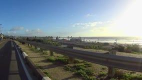 Pov-Antrieb unten Kalifornien-Küste - Cardiff 1 stock video