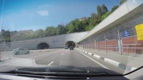 Pov-Auto-Antriebe nach Sochi Ansicht durch windschield des beweglichen Autos stock video