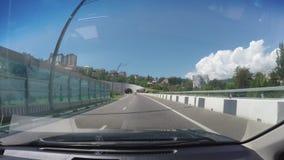 Pov-Auto-Antriebe nach Sochi Ansicht durch windschield des beweglichen Autos stock footage