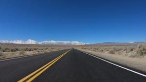 POV Drive στη κομητεία Inyo και Yosemite σε Καλιφόρνια απόθεμα βίντεο