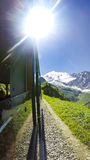 POv från drevet till den Mont Blanc bergmassiven Royaltyfri Foto