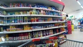 POV-Kruidenierswinkel het winkelen stock videobeelden