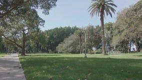 POV que camina en Sydney Hyde Park metrajes