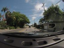 POV que conduce abajo de la calle Fotografía de archivo