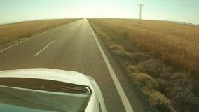 POV som kör skottet av en lantlig väg i Spanien stock video