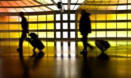 Povos com bagagem  Imagens de Stock Royalty Free