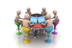 povos 3d em torno de uma tabela que olha portáteis Fotografia de Stock