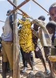 Povos da área tribal de Konso no mercado local da vila Omo Valle Imagem de Stock