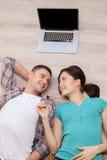 Povos de conexão do amor. Imagens de Stock Royalty Free