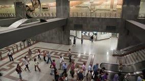 Povos dentro da estação de metro do Syntagma filme