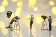 Povos diminutos: Atriz na frente da câmera no SE do filme Imagem de Stock Royalty Free