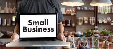 povos do conceito da empresa de pequeno porte que trabalham o café Startup Owne do negócio fotografia de stock