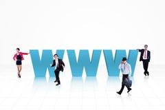 Povos do Internet do negócio no azul Fotografia de Stock