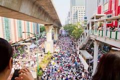 Povos do protesto de Tailândia contra a corrupção do governo. Foto de Stock