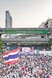 Povos do protesto de Tailândia contra a corrupção do governo. fotos de stock