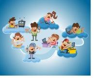 Povos dos desenhos animados sobre a computação da nuvem Fotografia de Stock