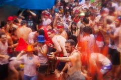 Povos durante o festival de Tomatina do La imagem de stock royalty free