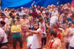 Povos durante o festival de Tomatina do La fotografia de stock