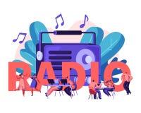 Povos e conceito de rádio O homem e os caráteres fêmeas escutam música e notícia, dança, transmissão de rádio do anfitrião e comu ilustração do vetor