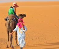 Povos e turist do Berber em Marrocos Fotografia de Stock Royalty Free