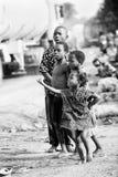 Povos em Benin, em preto e branco Fotos de Stock