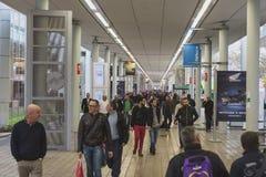 Povos em EICMA 2014 em Milão, Itália Fotos de Stock Royalty Free