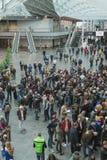 Povos em EICMA 2014 em Milão, Itália Imagens de Stock