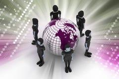 Povos em torno de um globo que representa trabalhos em rede sociais Foto de Stock Royalty Free
