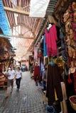 Povos em um mercado em C4marraquexe, Marrocos Imagem de Stock Royalty Free