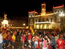 Povos espanhóis que comemoram a vitória de Worldcup fotos de stock
