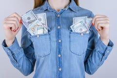 Povos fáceis s da pessoa do tempo do estudante da camisa das calças de brim do lucro do milionário imagem de stock royalty free