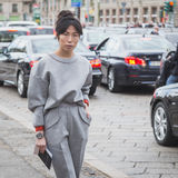 Povos fora da construção do desfile de moda de Gucci para Milan Women Fas Imagem de Stock Royalty Free