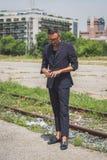 Povos fora da construção do desfile de moda de Gucci para o Fashi de Milan Men Imagem de Stock Royalty Free