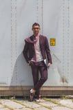 Povos fora da construção do desfile de moda de Gucci para o Fashi de Milan Men Fotos de Stock Royalty Free