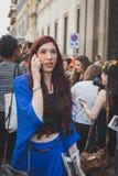 Povos fora da construção do desfile de moda de John Richmond para Milan Men Imagens de Stock
