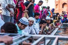 Povos muçulmanos em Jama Masjid, Deli, Índia Imagens de Stock Royalty Free