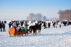 Povos na celebração o dia de inverno Fotos de Stock Royalty Free