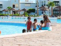 Povos na piscina Imagem de Stock Royalty Free