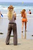 Povos na praia Imagens de Stock Royalty Free