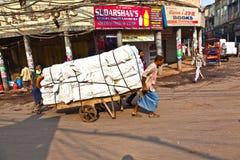 Povos na rua da feira de Chawri, o mercado por atacado de O Fotos de Stock Royalty Free