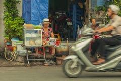 Povos na rua do país asiático - Vietname e Camboja Fotografia de Stock Royalty Free