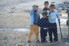 Povos no campo de refugiados fotos de stock royalty free