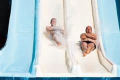 Povos no parque da água Fotos de Stock