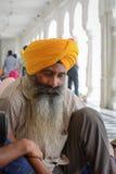 Povos no templo dourado em Amritsar, Índia Imagens de Stock Royalty Free