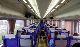 Povos no trem fotografia de stock royalty free